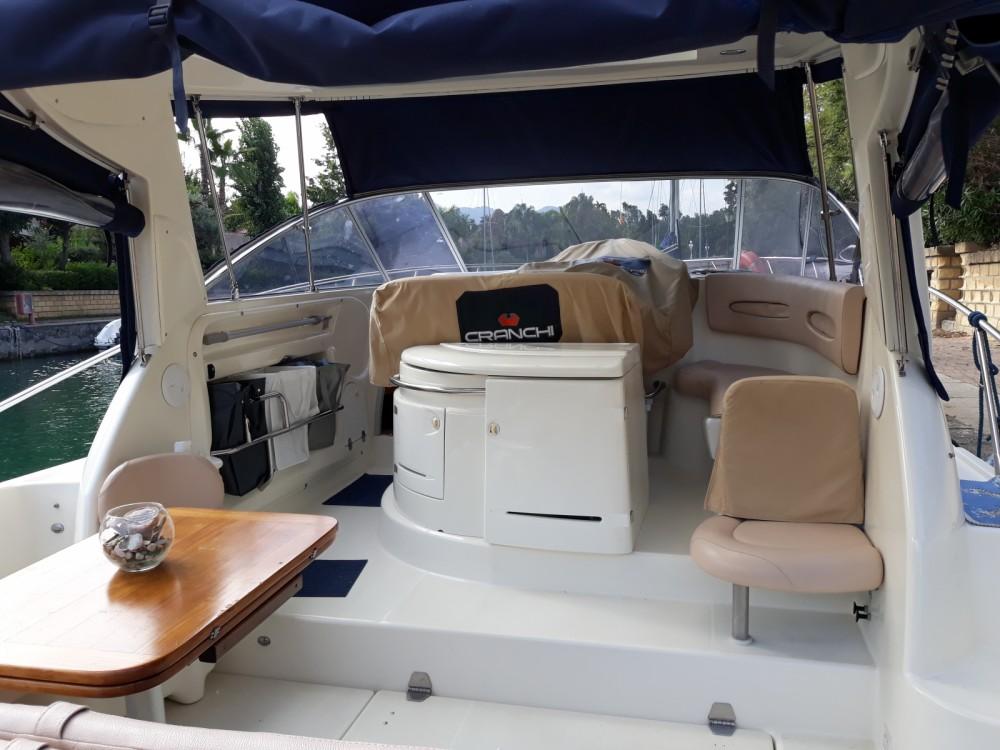 Huur Motorboot met of zonder schipper Cranchi in Tonnarella