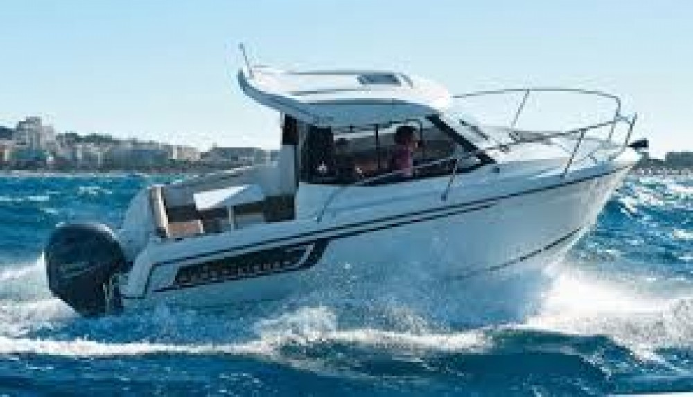 Boat rental Jeanneau Merry Fisher 605 HB in Nantes on Samboat