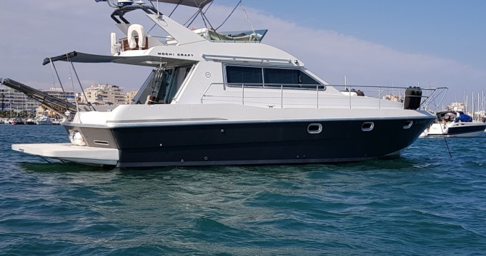 Location Yacht Mochi Craft avec permis