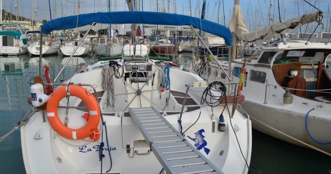 Location bateau Castelldefels pas cher Oceanis 400