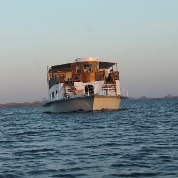 location yacht queen tiyi safari boat queen tiyi croisi u00e8re