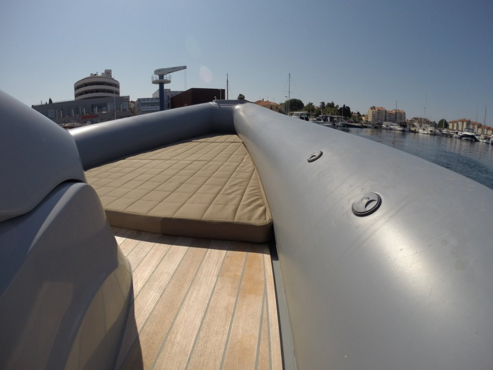 Verhuur Motorboot Sacs met vaarbewijs