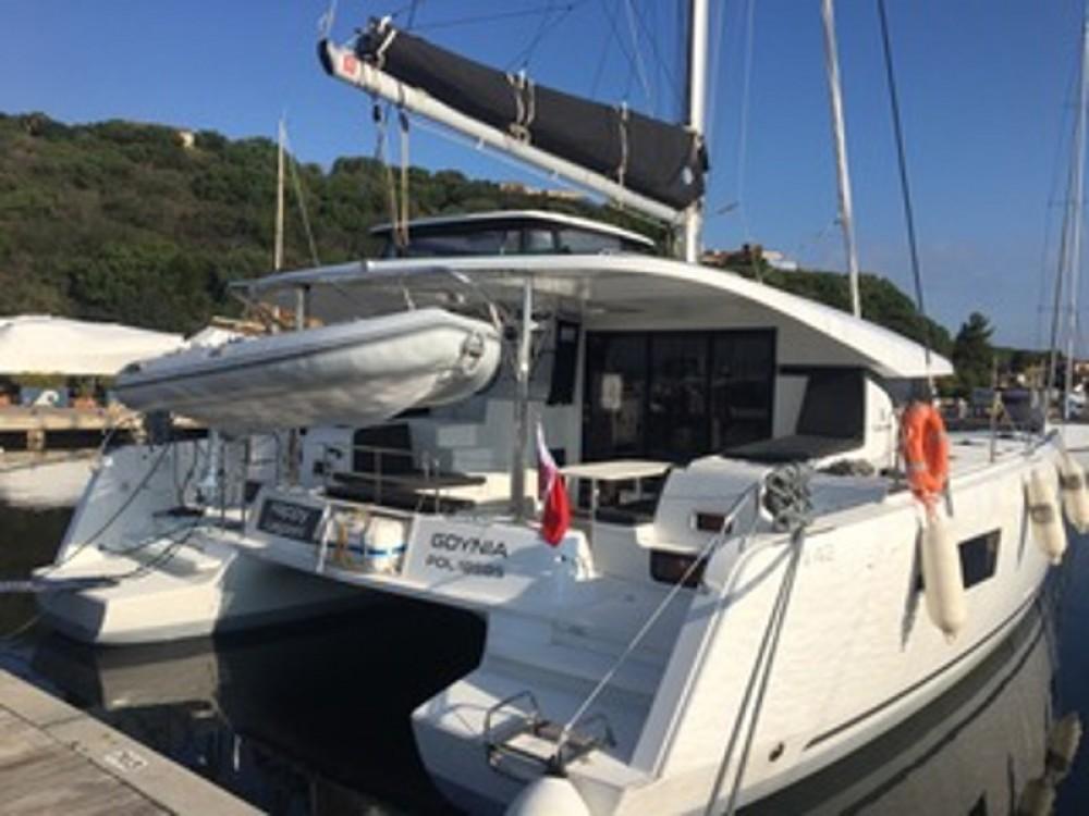 Catamaran te huur in Marina di Portisco voor de beste prijs