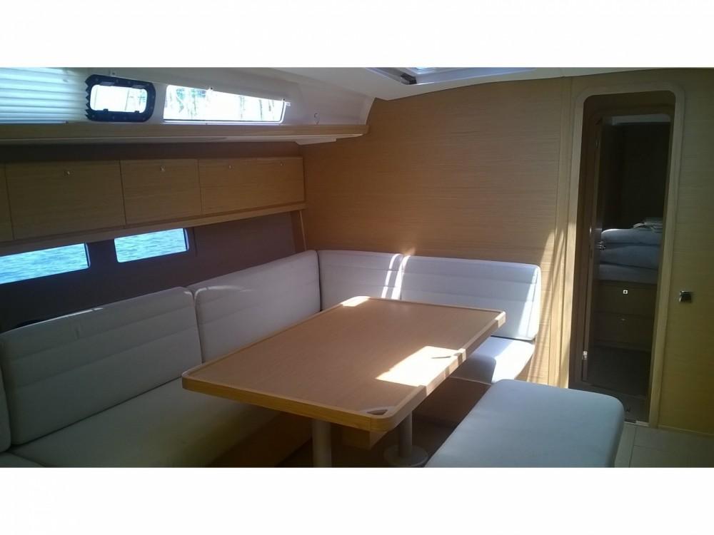 Location bateau Furnari pas cher Dufour 460