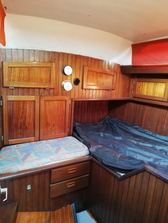 Rental Sailboat in Saint-Tropez - Nautique Saintonge Rorqual