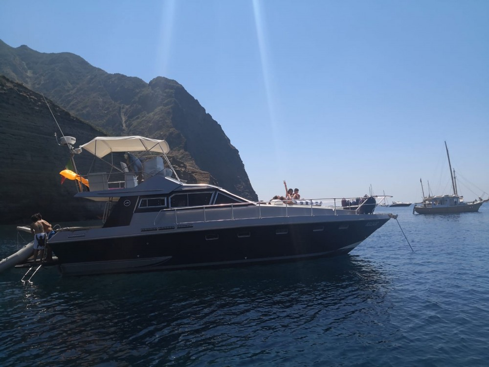 Hire Motor boat with or without skipper Mochi Craft Capo d'Orlando
