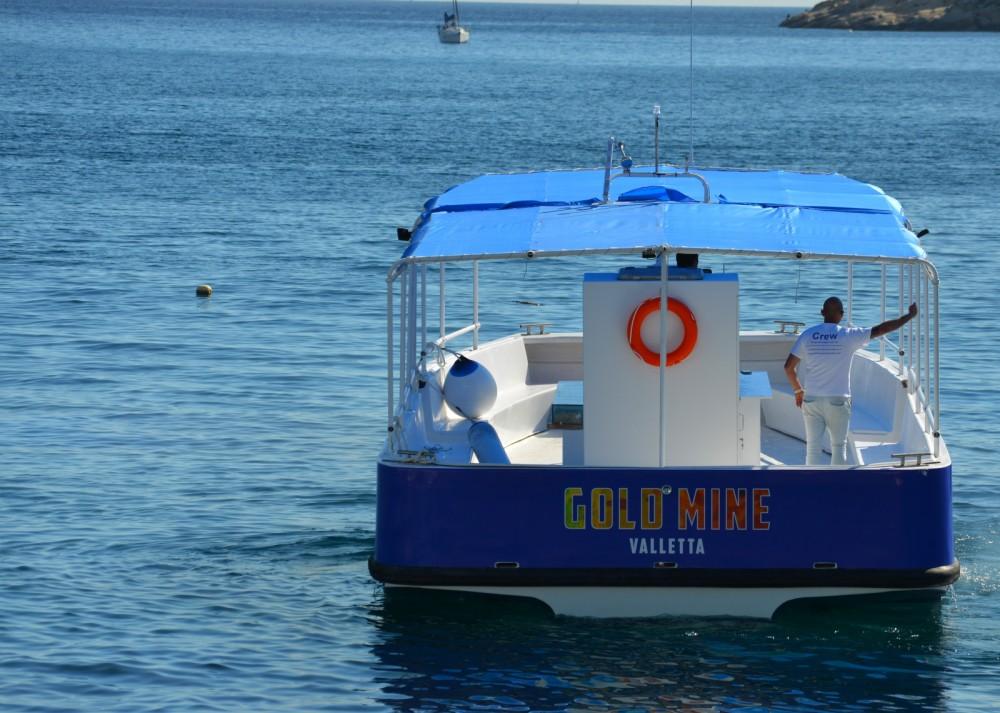 Bootverhuur Carvel Motor Ship Iveco Aifo in Il-Mellieħa via SamBoat
