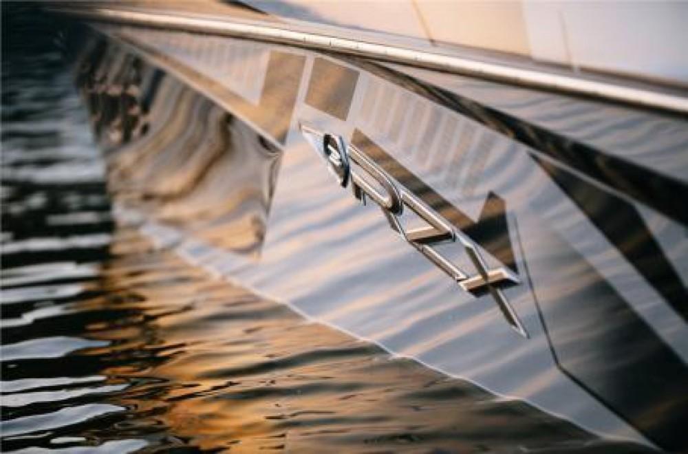 Boat rental Tige Rzx3 in Sevrier on Samboat