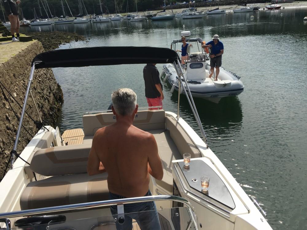 Boat rental Quicksilver Quicksilver 805 Sundeck in Port-la-Forêt on Samboat