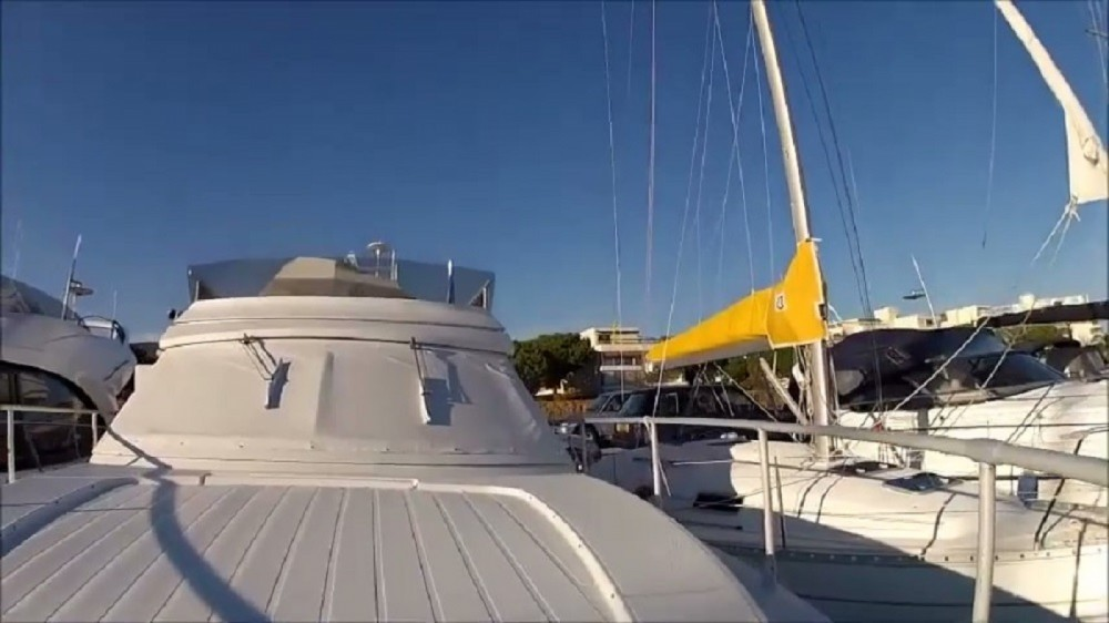 Bootverhuur Ferretti Altura 36 in Cannes via SamBoat
