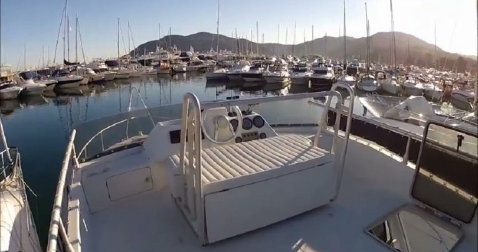 Location Bateau à moteur à Cannes - Ferretti Altura 36