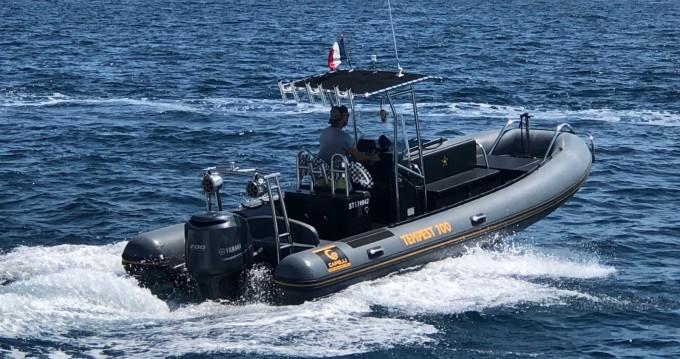 Location bateau Saint-Tropez pas cher Tempest 700 Work