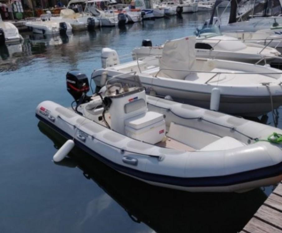 Louer Semi-rigide avec ou sans skipper Valiant à Roquebrune-sur-Argens