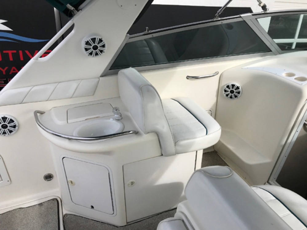 Hire Motor boat with or without skipper Sea Ray Giovinazzo