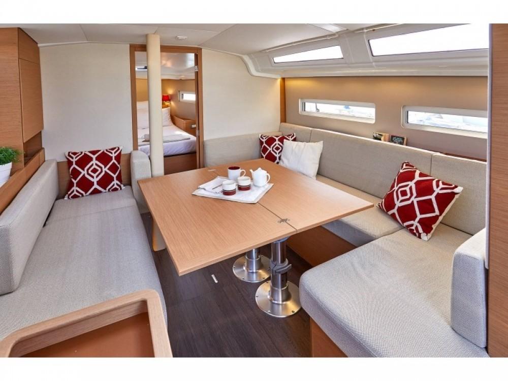 Verhuur Zeilboot in Follonica - Bavaria Sun Odyssey 410