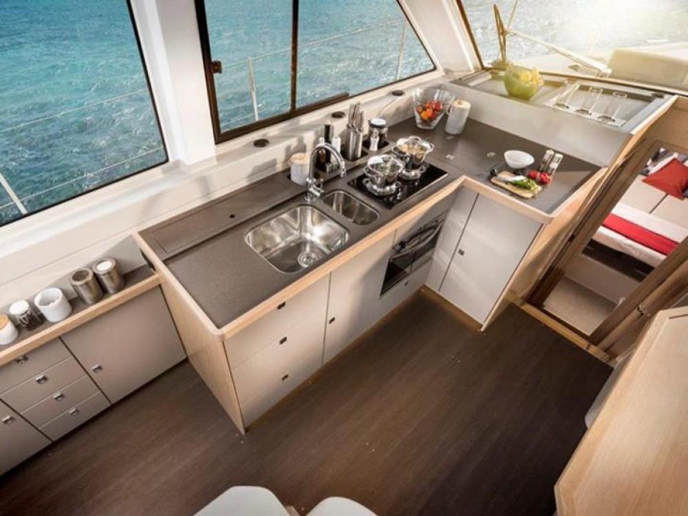 Huur Motorboot met of zonder schipper Bavaria in Pula