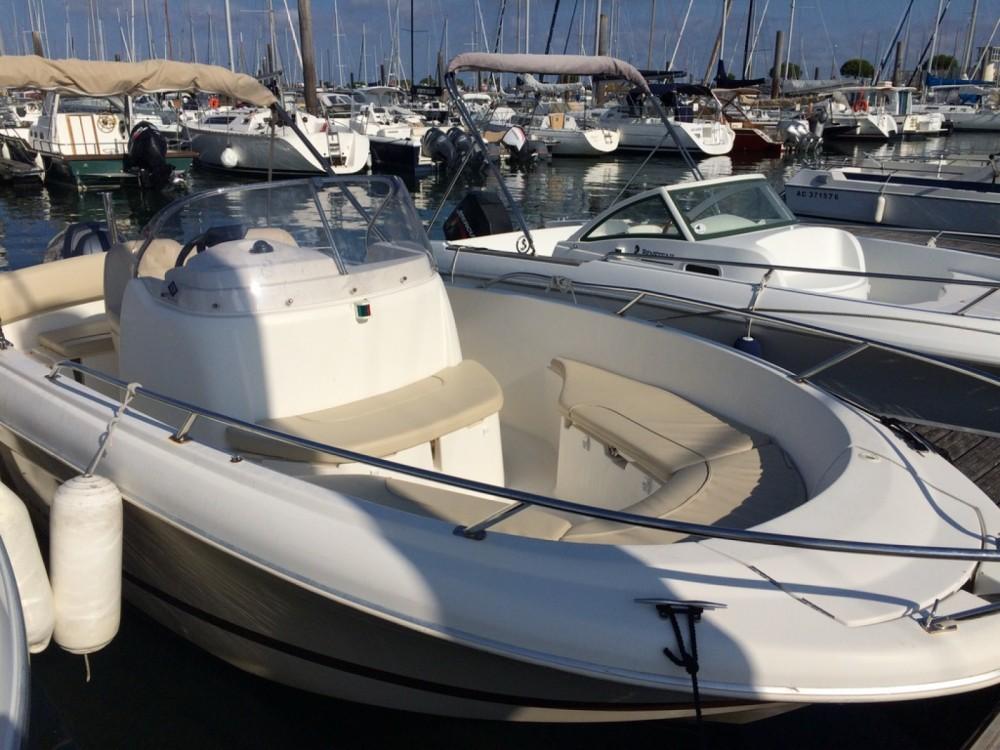Location bateau Jeanneau Cap Camarat 635 Style à Arcachon sur Samboat