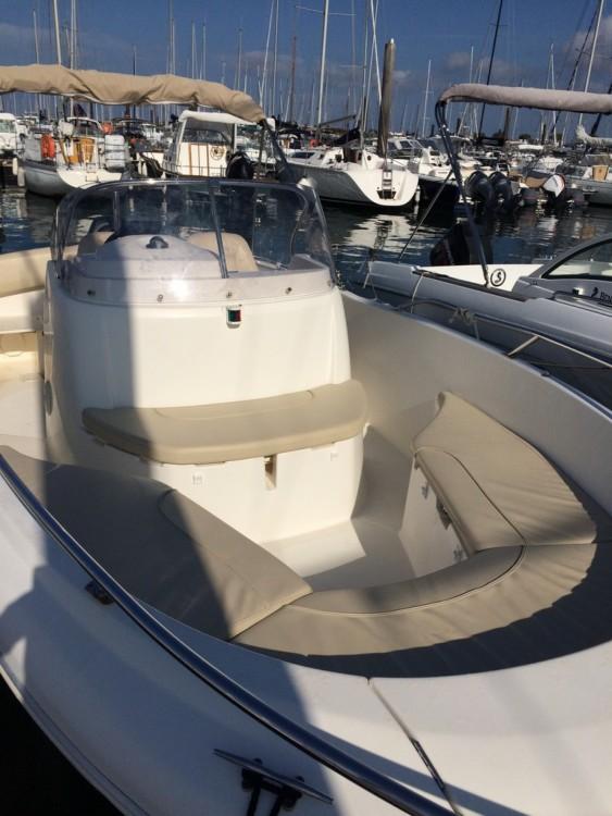 Louer Bateau à moteur avec ou sans skipper Jeanneau à Arcachon