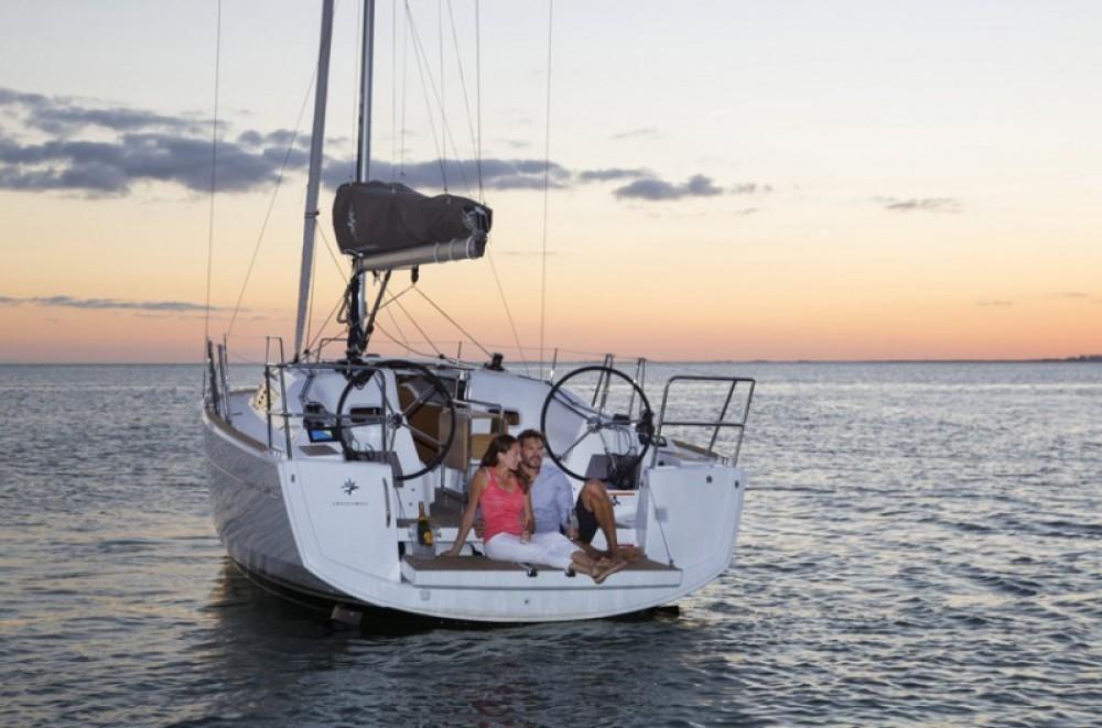 Huur een Jeanneau Sun Odyssey 349 in Korfoe