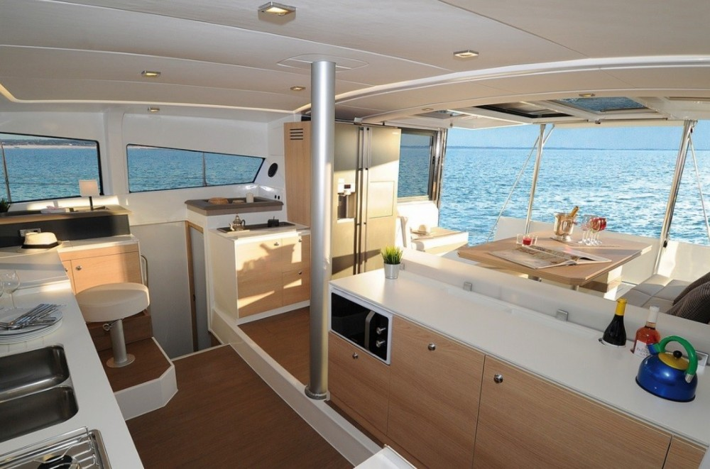 Catana Bali 4.3 Owner Version te huur van particulier of professional in Antigua