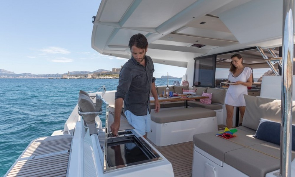 Fountaine Pajot Astrea 42 te huur van particulier of professional in Athene