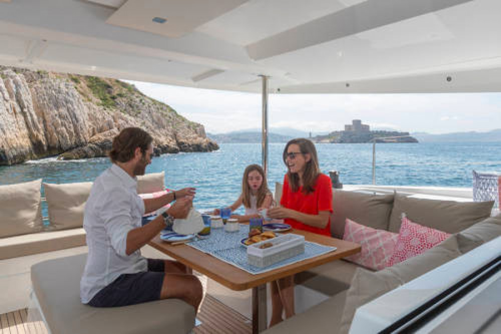 Huur een Fountaine Pajot Astrea 42 in South Abaco
