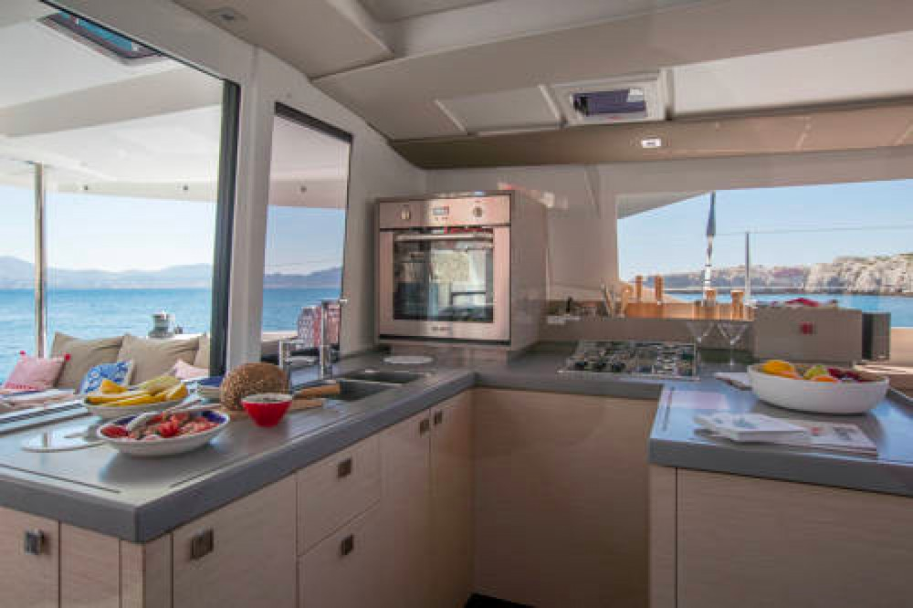 Bootverhuur Fountaine Pajot Astrea 42 in South Abaco via SamBoat
