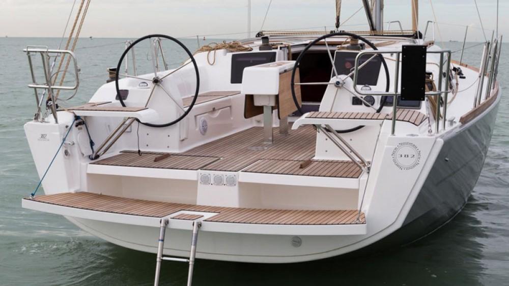 Bootverhuur Port Hamble goedkoop Dufour 382 Grand Large