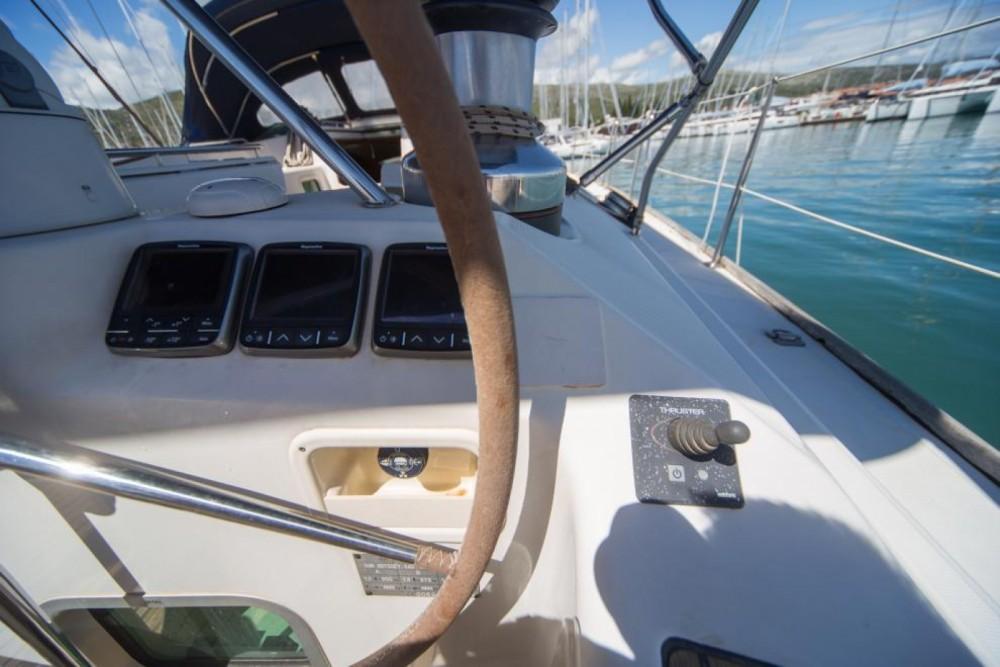 Louez un Jeanneau Sun Odyssey 54 DS à Trogir