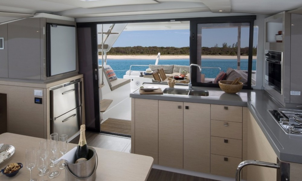 Verhuur Catamaran in South Abaco - Fountaine Pajot Lucia 40