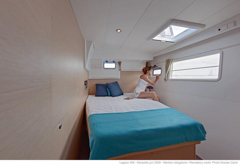 Location bateau Laurion pas cher Lagoon 400