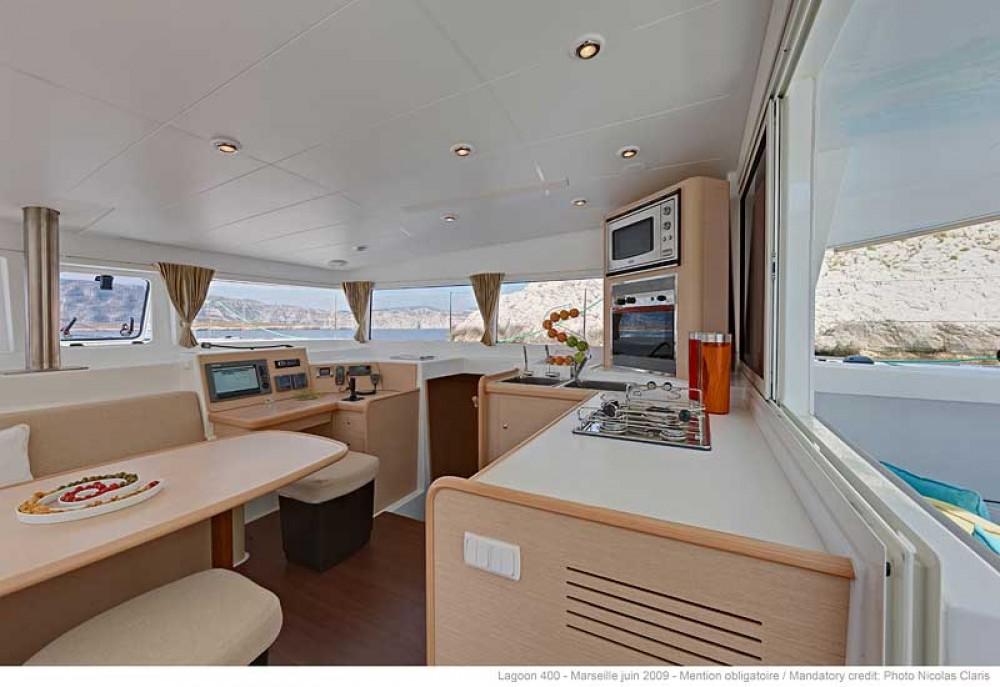Verhuur Catamaran in Athene - Lagoon Lagoon 400