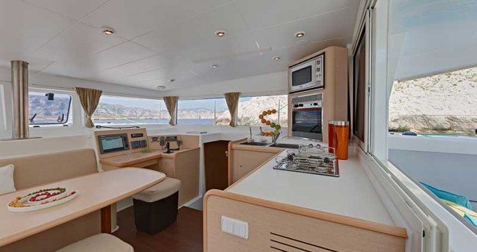 Location yacht à Παροικιά - Lagoon Lagoon 400 sur SamBoat