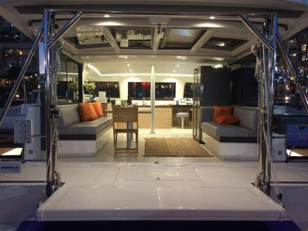 Catamaran te huur in Napels voor de beste prijs