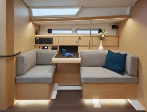 Location bateau Jeanneau Sun Odyssey 449 à Cos sur Samboat