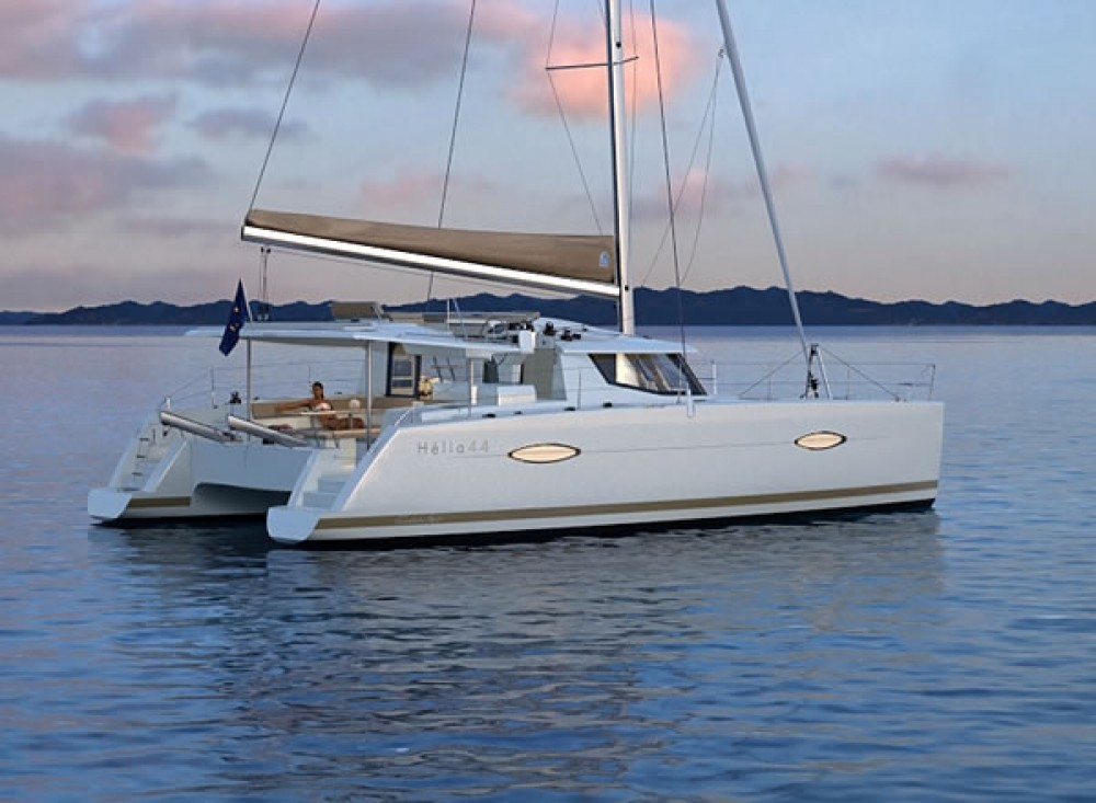 Location bateau Fountaine Pajot Helia 44 à Le Marin sur Samboat