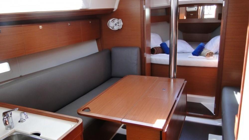 Boat rental Dufour Dufour 36 in Lefkas on Samboat