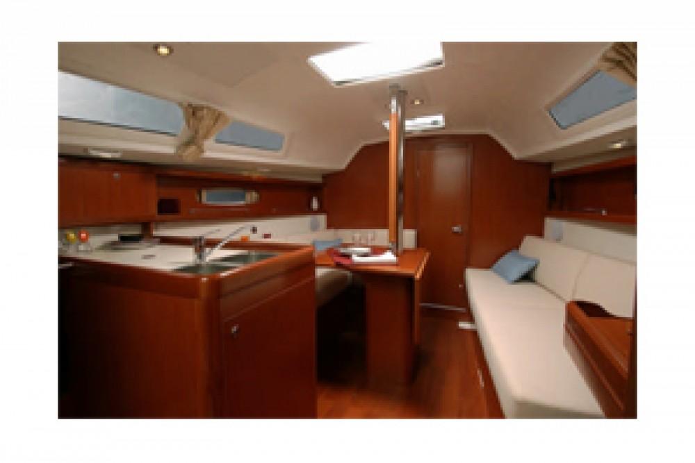 Location yacht à Roses - Bénéteau Oceanis 31 sur SamBoat