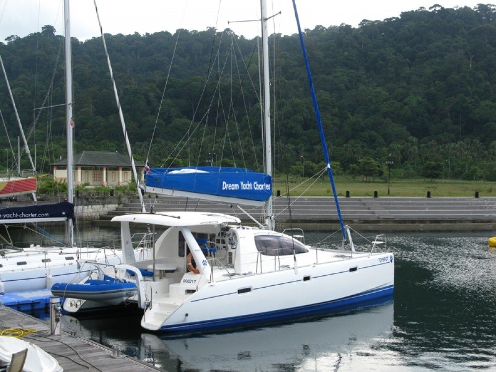 Robertson and Caine Leopard 38 entre particulares y profesional Papeete