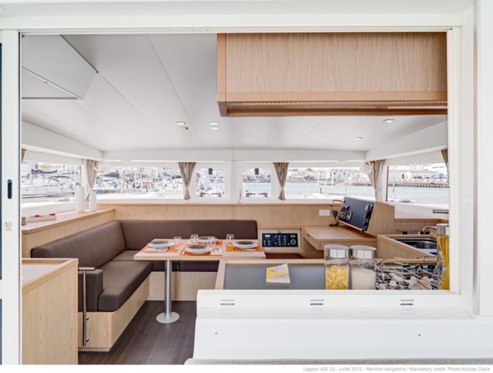 Location bateau Dubrovnik pas cher Lagoon 400 S2
