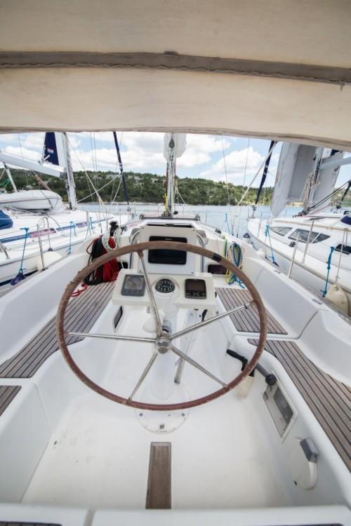 Location bateau Šibenik pas cher Oceanis 31