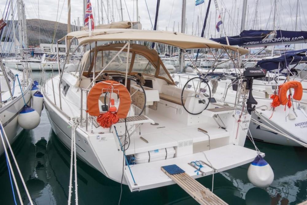 Location bateau Dufour Dufour 382 Grand Large à Trogir sur Samboat