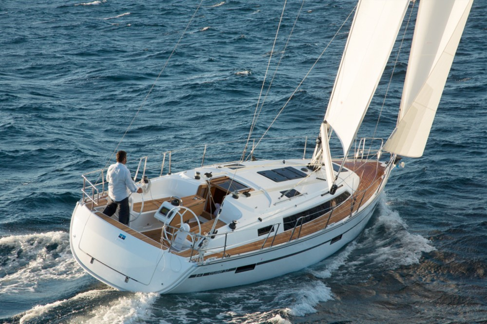 Bavaria Cruiser 37 entre particuliers et professionnel à Skiathos