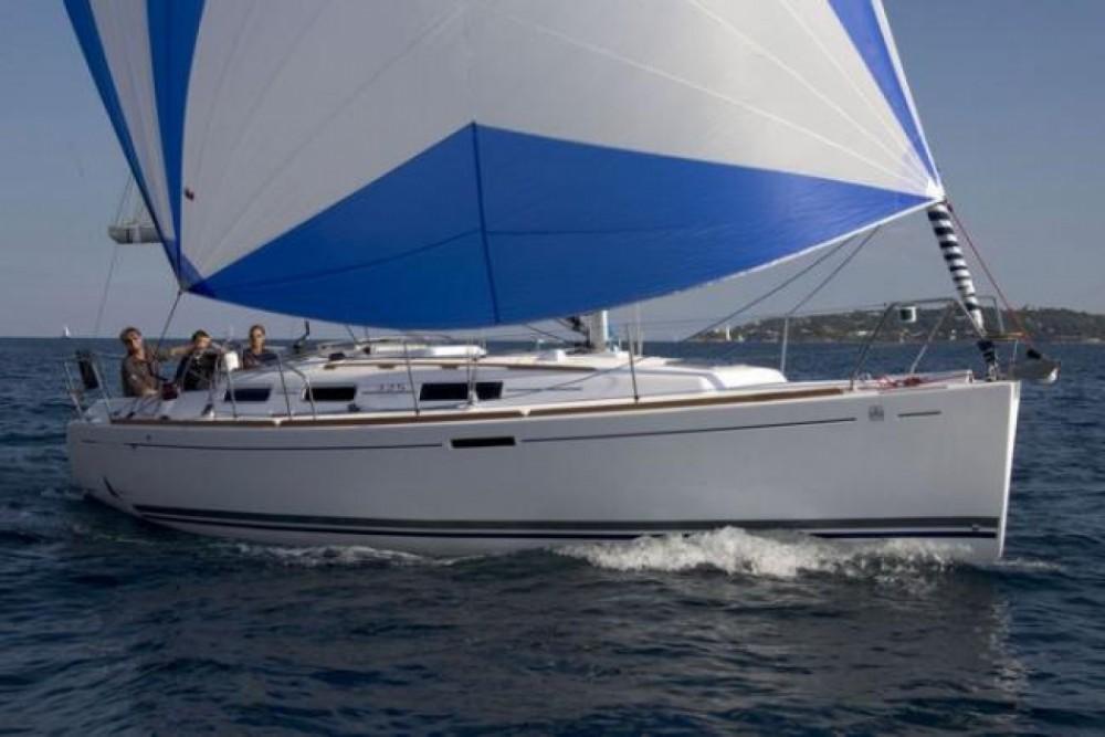 Location bateau Dufour Dufour 325 à Saint-Mandrier-sur-Mer sur Samboat