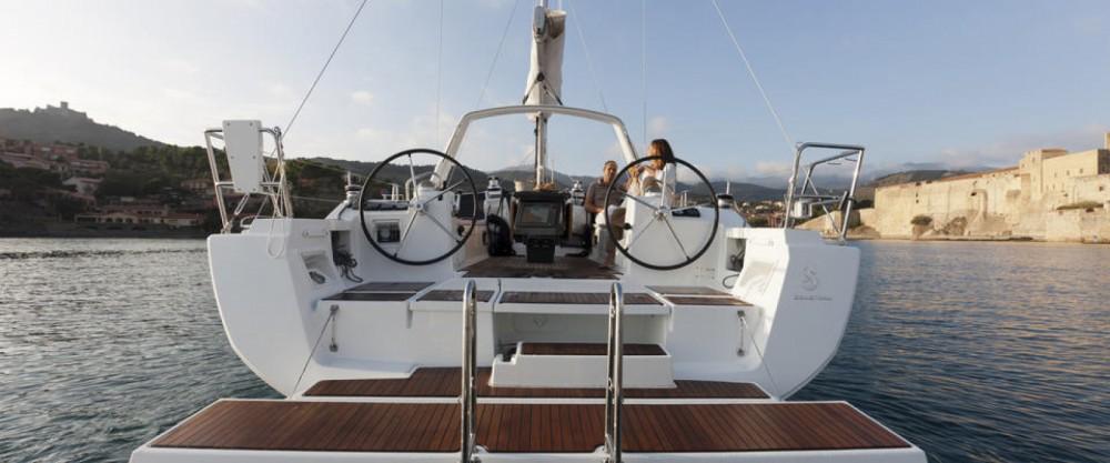 Louez un Bénéteau Oceanis 41 à Saint-Mandrier-sur-Mer