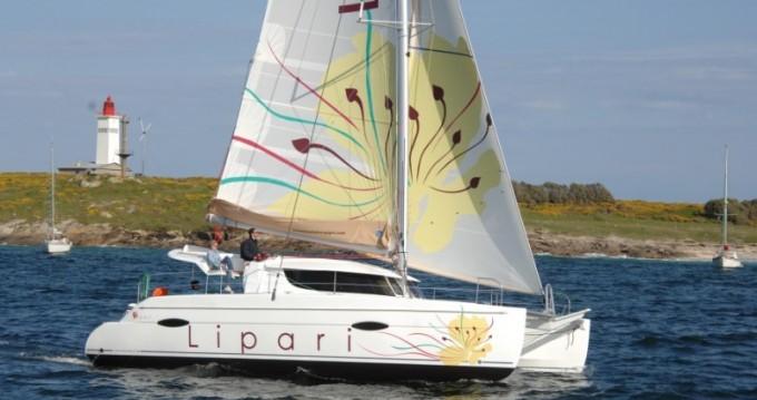 Location Catamaran à Placencia - Fountaine Pajot Lipari 41