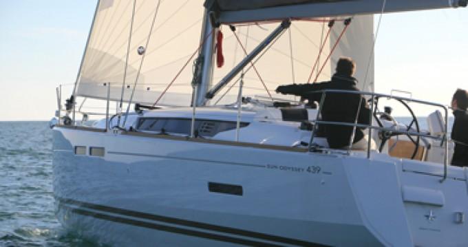 Location bateau Papeete pas cher Sun Odyssey 439