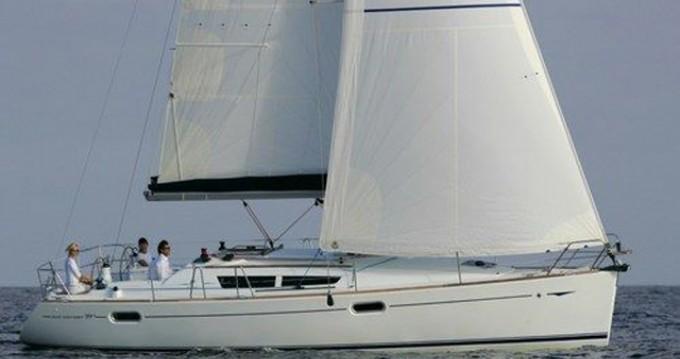Louer Voilier avec ou sans skipper Jeanneau à Airlie Beach