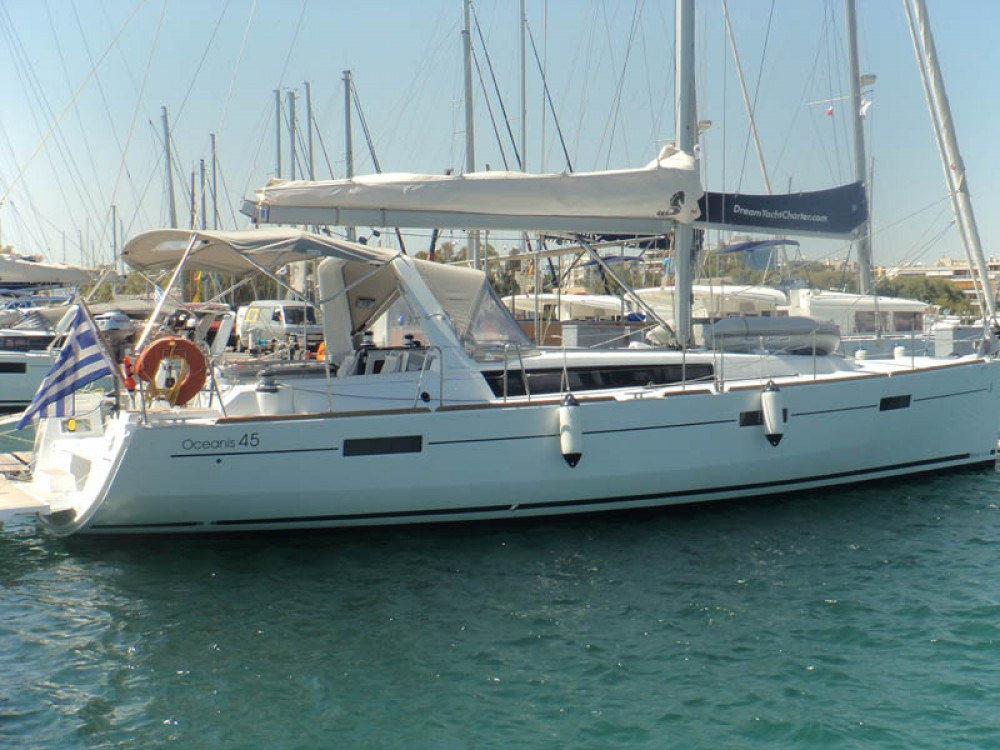 Boat rental Bénéteau Oceanis 45 in Greece on Samboat