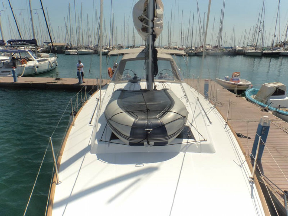 Bénéteau Oceanis 45 between personal and professional Greece
